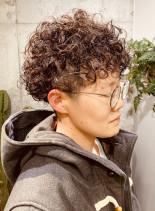 外国人風カーリーマッシュ(髪型ベリーショート)