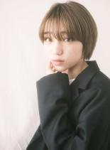 シンプルお洒落人気の小顔マッシュショート(髪型ショートヘア)
