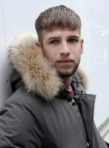外国人風ツーブロフェードクロップドヘアー(髪型メンズ)