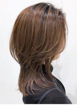 30代40代 ひし形くびれウルフレイヤー(髪型ミディアム)