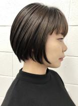 後頭部ふんわり毛先ザクザクな大人ショート(髪型ショートヘア)