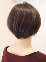 30代からの丸みショート(髪型ショートヘア)