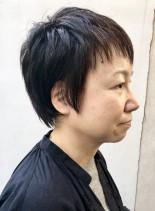 シンプルで個性的なショートカットウルフ(髪型ベリーショート)
