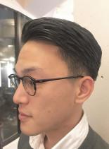 七三フェードスタイル(髪型メンズ)