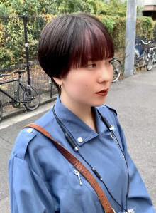 ショートヘアのフェイスフレーミングカラー