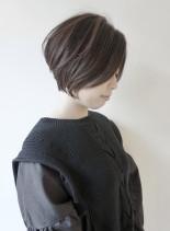 30代40代からの大人の前下がりショート(髪型ショートヘア)