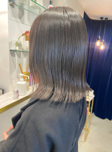 暗髪でも透明感たっぷりハイライトカラー(ビューティーナビ)