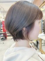 大人可愛い人気の耳かけひし形ショートボブ(髪型ショートヘア)