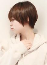 ショートなのに女性らしい大人可愛スタイル(髪型ショートヘア)
