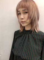 ミディアムレイヤーウルフ(髪型ミディアム)