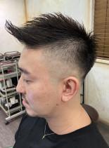 フェードモヒカン(髪型メンズ)