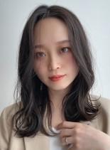 【30代に人気・ミディアムレイヤー】(髪型ミディアム)