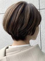 40代50代ショート白髪カバーハイライト(髪型ショートヘア)