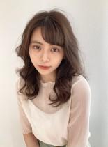 シルエットが綺麗なロングパーマスタイル(髪型セミロング)