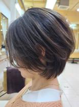 脱白髪染めハイライト◎小顔ショートボブ(髪型ショートヘア)