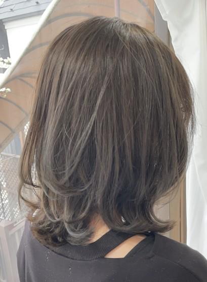 【大人女性くびれ・ミディアムレイヤー】(髪型ミディアム)
