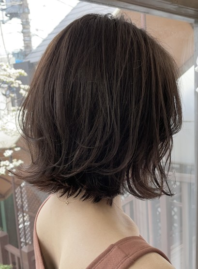 【大人の抜け感・レイヤーボブ】(髪型ボブ)