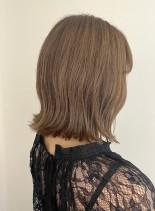 グレージュカラーの肩ラインボブスタイル(髪型ボブ)