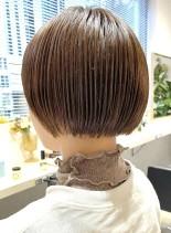 スタイルよく、首が綺麗に見えるミニボブ♪(髪型ショートヘア)