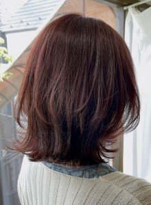 【脱ぺたんこ髪・ミディアムレイヤー】