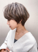 30代40代ふんわりニュアンスショート(髪型ショートヘア)