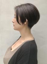 シンプルでかっこいい大人ショートボブ(髪型ショートヘア)