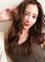 デジタルパーマナチュラルカラーで大人女子(髪型ロング)
