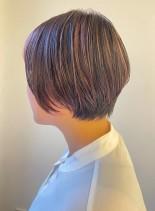 ショートヘアのナチュラルハイライトカラー(髪型ショートヘア)