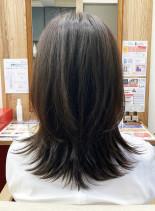水素カラーとヘッドスパで健康的な艶髪へ(髪型セミロング)