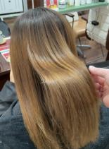 【癖を伸ばして素髪へ・リケラストレート】(髪型セミロング)