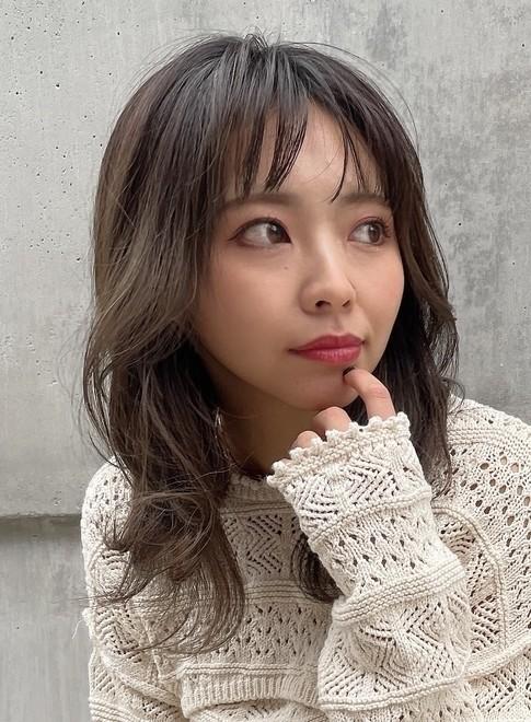 【30代女性に人気・ミディアムレイヤー】(ビューティーナビ)