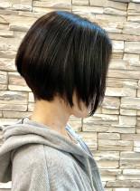 40代50代前下がりボブヘアー(髪型ショートヘア)