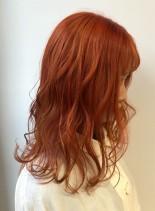 オレンジカラー(髪型ミディアム)