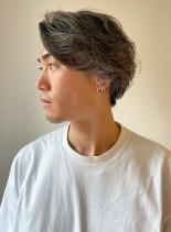 ツーブロックのグレージュハイライトカラー(髪型メンズ)