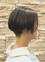 大人ショートヘア 刈り上げボブ(髪型ショートヘア)