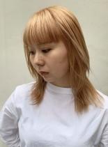 ブリーチカラー オレンジベージュカラー(髪型セミロング)