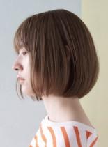 柔らかいハイトーンカラーボブ(髪型ボブ)