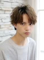 外国人風・前髪長めマッシュパーマヘア(髪型メンズ)