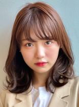 【30代大人女性のヘア・くびれスタイル】(髪型ミディアム)