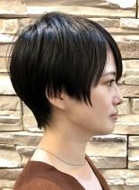 30代40代黒髪オトナショートスタイル(髪型ベリーショート)