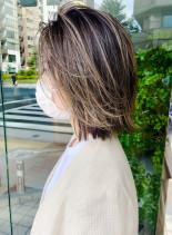 外国人風ハイライト大人可愛い外ハネボブ(髪型ミディアム)
