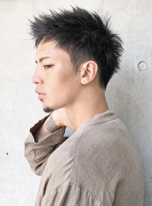 色っぽいツーブロック刈り上げ・メンズ髪型(ビューティーナビ)