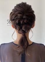 ミディアムヘアの編みおろしアレンジ(髪型ミディアム)