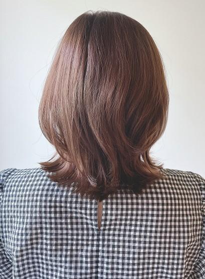 肩上のくびれミディアムボブスタイル(髪型ミディアム)