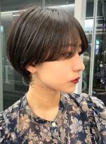 艶感*耳にかけられるショートヘア