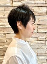 30代40代ショートヘアスタイル女性(髪型ベリーショート)