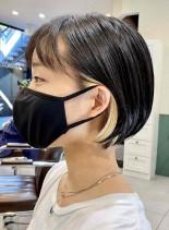 アクセサリーカラーの耳掛けショートボブ(髪型ショートヘア)