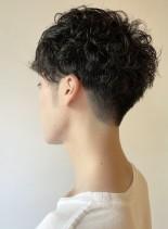 ツーブロックのパーマメンズスタイル(髪型メンズ)