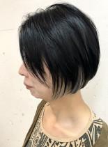 前下がりボブサイドポイントインナーカラー(髪型ボブ)