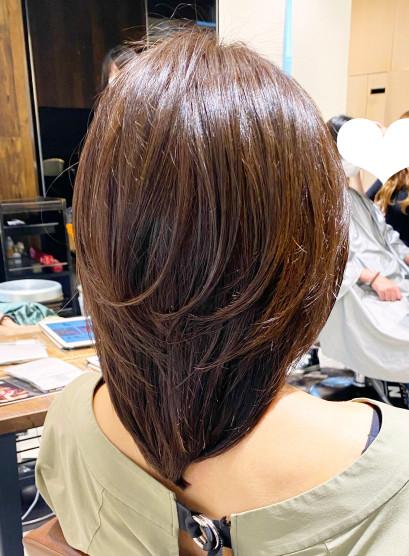 ひし形ウルフレイヤー くびれボリューム(髪型ミディアム)